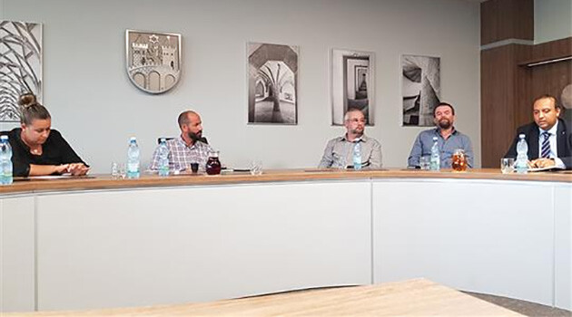 A meeting between representatives of the City of Most and the Director of the Czech Government Agency for Social Inclusion, David Beňák (last on the right) (August 2019). (PHOTO:  https://www.mesto-most.cz)