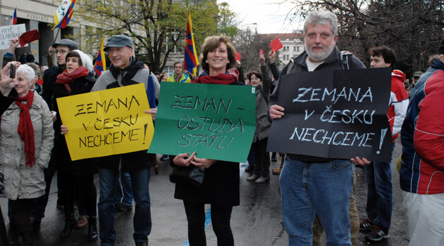 Several opponents of Czech President Miloš Zeman went to the Albertov area of Prague, where he was speaking on 17 November 2015, to express their disagreement with him. The signs read