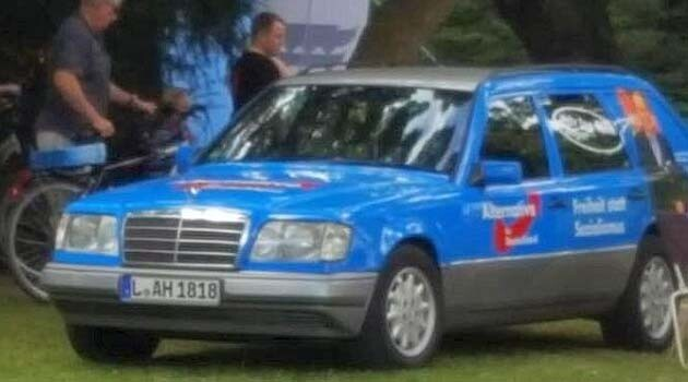 In 2016 the Alternative for Germany (AfD) party used a car with a license plate referencing Adolf Hitler (the number 18) during its election campaign. (PHOTO:  Twitter/LINKEPELLI)