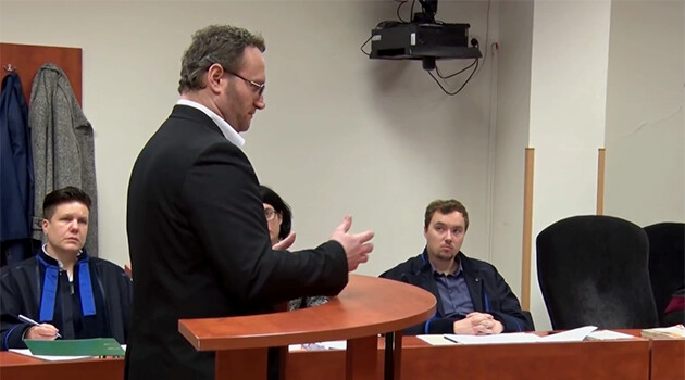 Petr Benda, convicted of having shot a young Romani man to death in the summer of 2017 at a housing estate in Chomutov, is shown here during the main hearing of his trial on 4 April 2018. (PHOTO:  Tereza Heková)