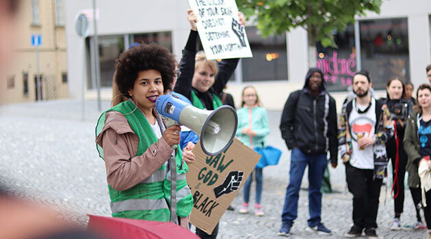 Approximately 130 people, most of them young, assembled on 20 June 2020 in Brno, Czech Republic to express their solidarity with and support for the Black community in the United States of America. (PHOTO: Demonstration organizers)
