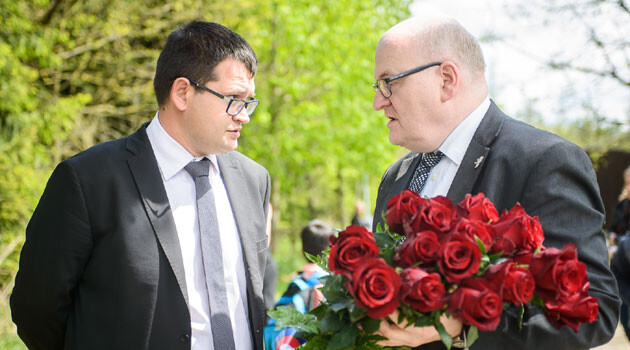 Czech Human Rights Minister Jan Chvojka (left) and Czech Culture Minister Daniel Herman (right) on 13 May 2017 at Lety u Písku (PHOTO: Petr Zewlakk Vrabec)