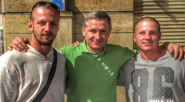 Governor of the Zlín Region in the Czech Republic, Jiří Čunek (center), posing in 2017 together with extremists who have neo-Nazi pasts. (PHOTO:  The Facebook page of the