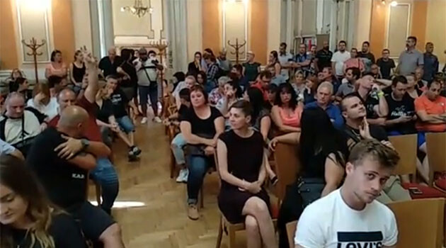 The public hearing held on 22 July 2020 in Přerov over incidents between two Vlax Romani families. (PHOTO:  Facebook)