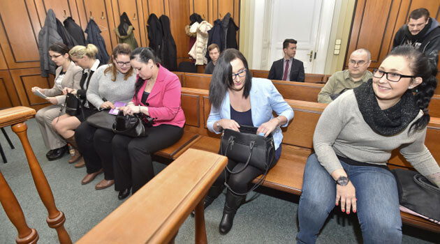 On 5 January 2018 the main hearing began at the Prague 2 Muncipal Court in the trial of a second group of young women accused of participating in the extreme right movement