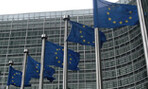 Flags in front of the European Commission building in Brussels (PHOTO: Sébastien Bertrand, Wikimedia Commons)