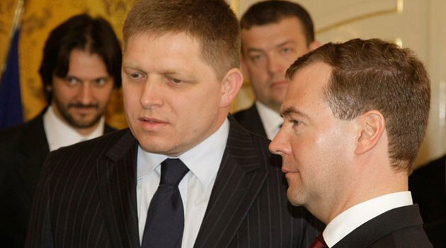 Vlevo Robert Fico (FOTO:Presidential Press and Information Office).