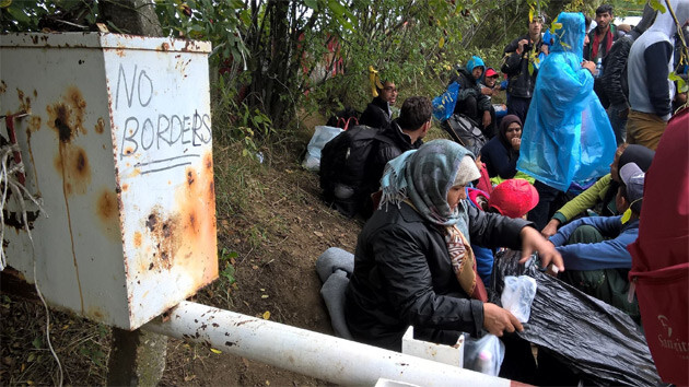 A snapshot at the Bapska border crossing in Croatia. (Photo: We Help People Who Are Fleeing initiative - Pomáháme lidem na útěku)