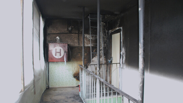 The corridor of the apartment at the Janov housing estate after a gas explosion in 2015. (PHOTO:  voj)