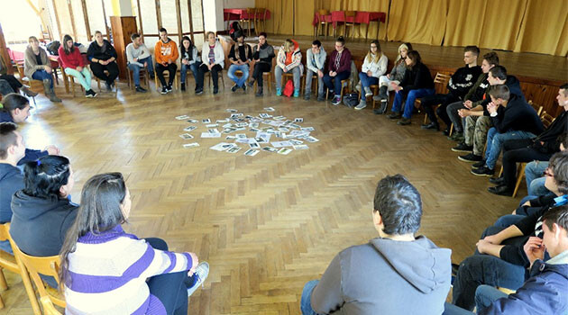 The workshop at Lety u Písku, site of the former WWII-era concentration camp for Romani people, held as part of the international student conference on 20th Century European Roma Identity in December 2017. (PHOTO: Terezín Initiative Institute)