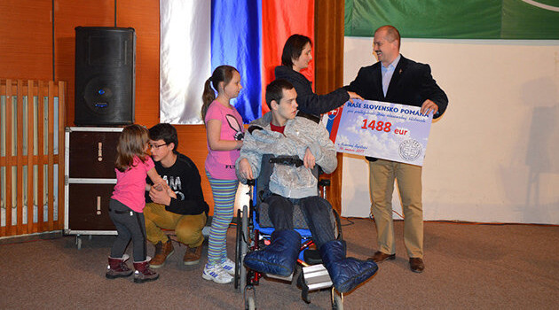 The ĽSNS party in Slovakia donated the sum of EUR 1488 - a number full of Nazi symbolism - to families who have children living with disabilities on 14 March 2017. (PHOTO:  naseslovensko.net)