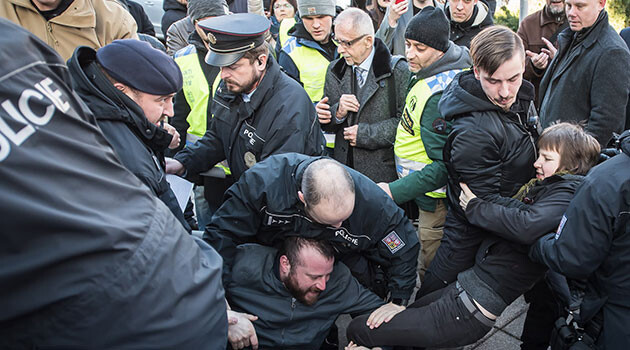 Police in Brno, Czech Republic intervened on 20 February 2020 against those opposed to the newly-elected Public Defender of Rights, Stanislav Křeček. (PHOTO: Petr Zewlakk Vrabec, Romea.cz)