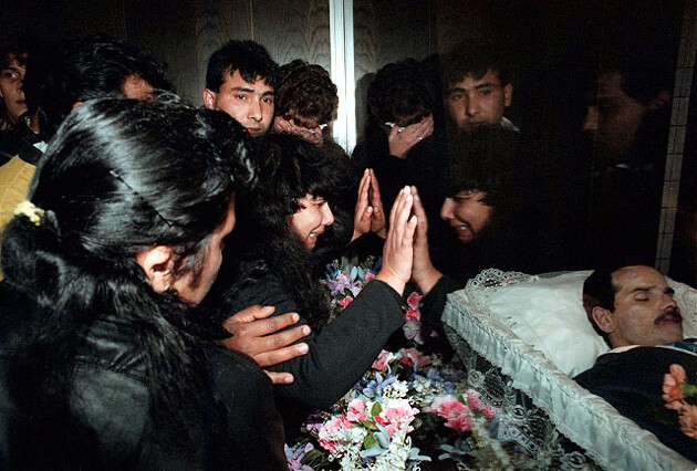 The widow of Milan Lacko with relatives during his funeral in May 1998 in Orlová. (PHOTO:  Czech News Agency)