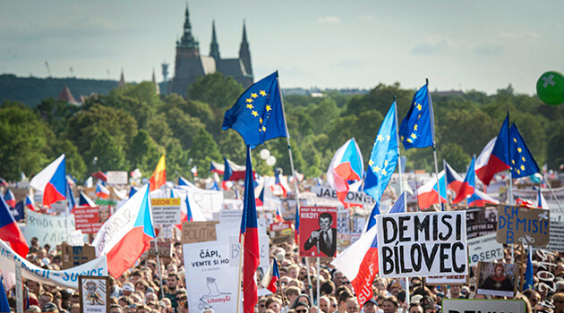 Demonstration on Letná Plain in Prague, 23 June 2019. (PHOTO: Petr Zewlakk Vrabec)