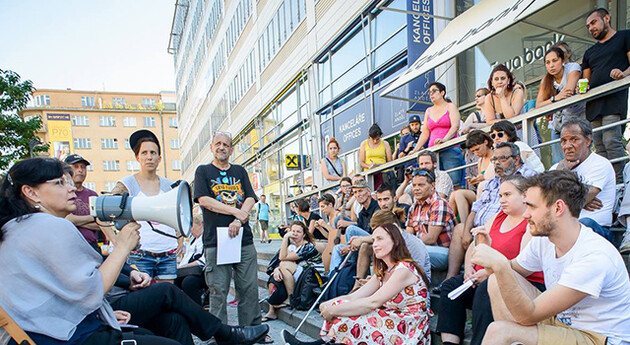 On 23 June 2016 an active group of homeless people from the three biggest Czech cities met outdoors in Prague with Czech Labor and Social Affairs Minister Michaela Marksová. (PHOTO:  Petr Zewlakk Vrabec)