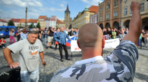Around 50 neo-Nazis and other people set out from the elementary school on Husova Street in Jičín after 15:00 on 24 August 2013 for an anti-Romani march. (PHOTO:  Czech News Agency)