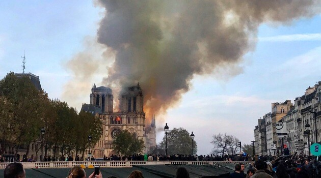 The fire at the cathedral of Notre Dame in Paris, France on 15 April 2019. (PHOTO: Castellbo, www.commons.wikimedia.org)