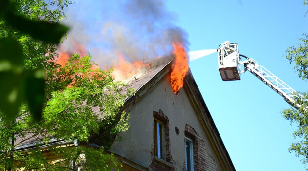 Four units of firefighters responded in the late afternoon of Sunday 8 June 2014 to a blaze at the residential hotel on U Kolory Street in the Czech town of Liberec. (PHOTO:  Liberec Regional Firefighters)