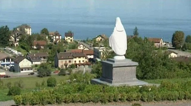 The locally controversial statue of the Virgin Mary in the French municipality of Publier, located at the intersection of the Italian and Swiss borders. (PHOTO:  Twitter.com)