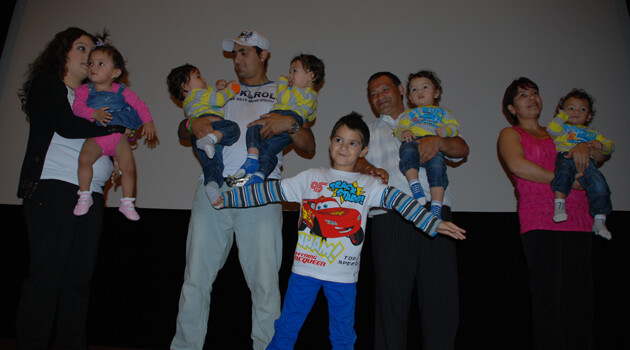 The quintuplets' family at the press premiere of the documentary film about them. (Photo:  Jana Baudyšová)
