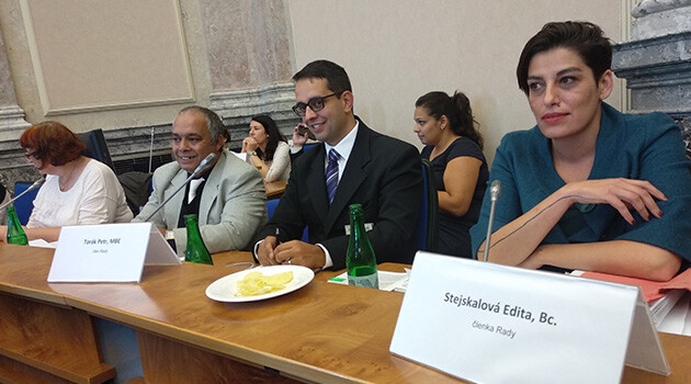 Edita Stejskalová (right) and Petr Torák (center), Romani civil society members of the Czech Government Council on Romani Minority Affairs, at the Council session on 10 September 2018. (PHOTO:  František Bikár, Romea.cz)