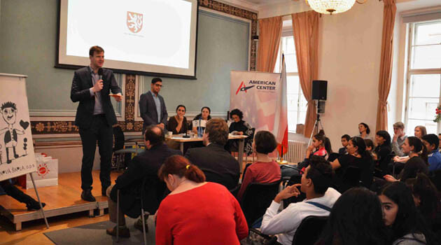 The results of the 2016 Romano suno Romanes-language Literary Competition for children run by Nová škola, o. p. s. and the L iterary Contest for Romani Students run by ROMEA, o.p.s. were announced in the presence of a representative of the Office of the Czech Government, Martin Martínek. (PHOTO:  Nová škola, o. p. s.)