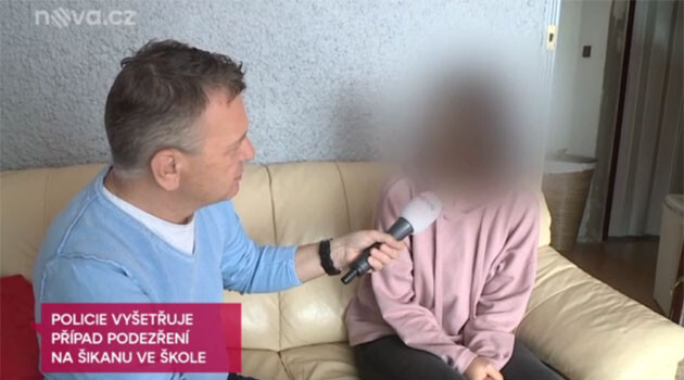 A screenshot from the TV NOVA broadcast about police investigating bullying at a Czech school that led to a Romani girl attempting suicide in 2018. (PHOTO:  tn.cz)