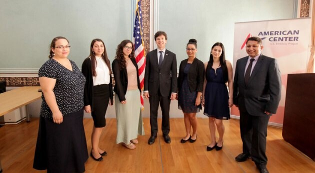 The first Romani interns in the program administered by the Slovo 21 NGO in cooperation with the Embassy of the United States of America - Ambassador Shapiro, center.