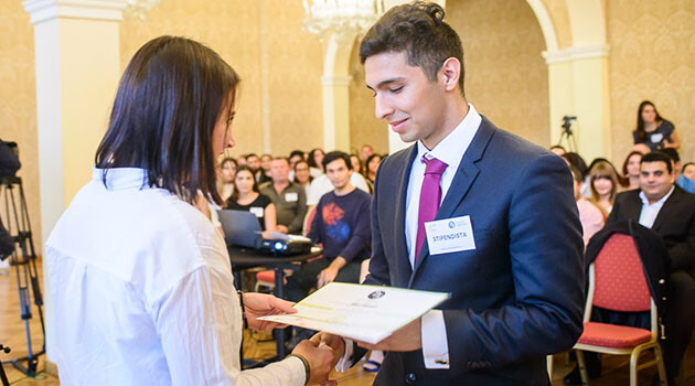 More than 80 Romani secondary school students were awarded scholarships on Friday, 4 November 2017 in Prague by the ROMEA organization. (PHOTO: Petr Zewlakk Vrabec)