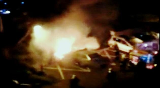The 2014 arson attack on a police vehicle in the Střekov quarter of Ústí nad Labem. (Photo:  Print screen from video footage)