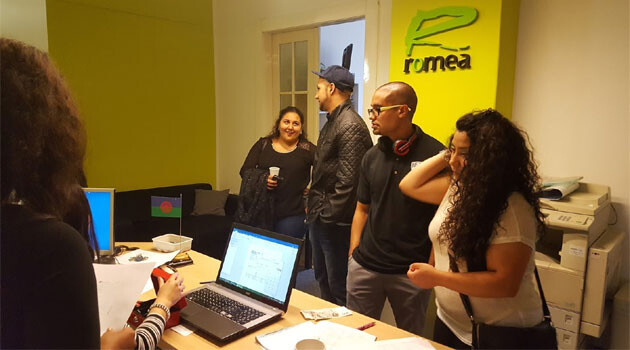 On Thursday, June 29, 2017, a scholarship commission at the ROMEA organization interviewed incoming Romani university students in the Czech Republic requesting scholarships from the Roma Education Fund. (PHOTO: Zdeněk Ryšavý, Romea.cz)