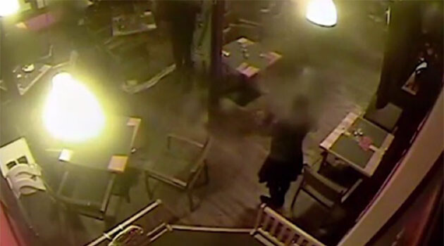 The CCTV footage from the pizzeria in the Czech town of Žatec where a young Romani man died on 18 October 2016. (PHOTO:  iDNES.cz)