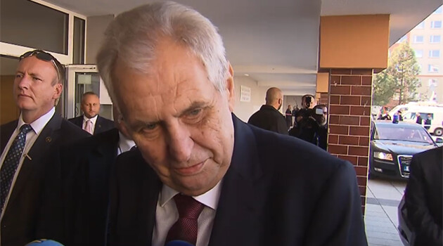 Czech President Miloš Zeman insulted Romani people once again on 5 October 2018 as he left a polling place after casting his ballot in the local and Senate elections. (PHOTO:  Czech Television)