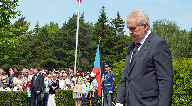 Czech President Miloš Zeman attended a commemorative ceremony on Saturday, 15 June 2013 on the occasion of the 71st anniversary of the annihilation of the village of Lidice. (PHOTO:   S. Pítr, Facebook OV ČSBS Kladno)