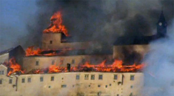 Krásná Hôrka castle during the blaze. PHOTO:  Repro Sme.sk