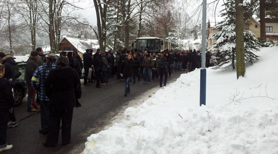 Hundreds of people came to pay their last respects to the Romani gunshot victim in Tanvald. (PHOTO:  Patrik Banga)