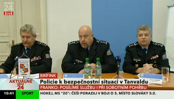 Czech Police hold press conference on the security situation in Tanvald. Photo:  repro ČT (Czech Television)